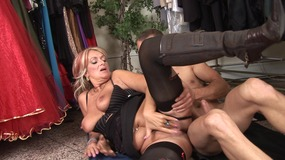 Dirty mature loves to give head and get fucked to get jizz on her face