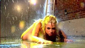 Blonde babe Sarah Vandella teases pussy in shower