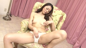 Hot Japanese chick enjoys getting kinky solo