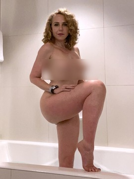 AVN_Bathtub - clip cover-front