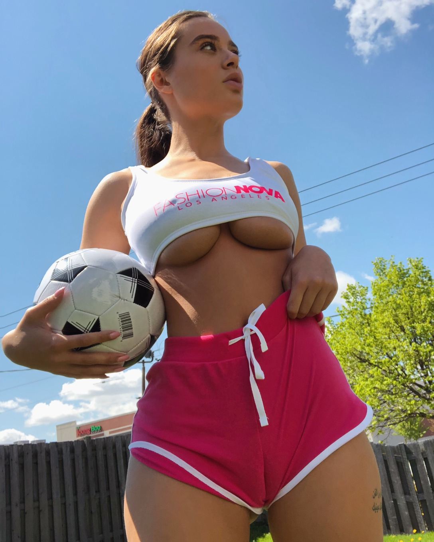 Lana Rhoades - profile image - 2