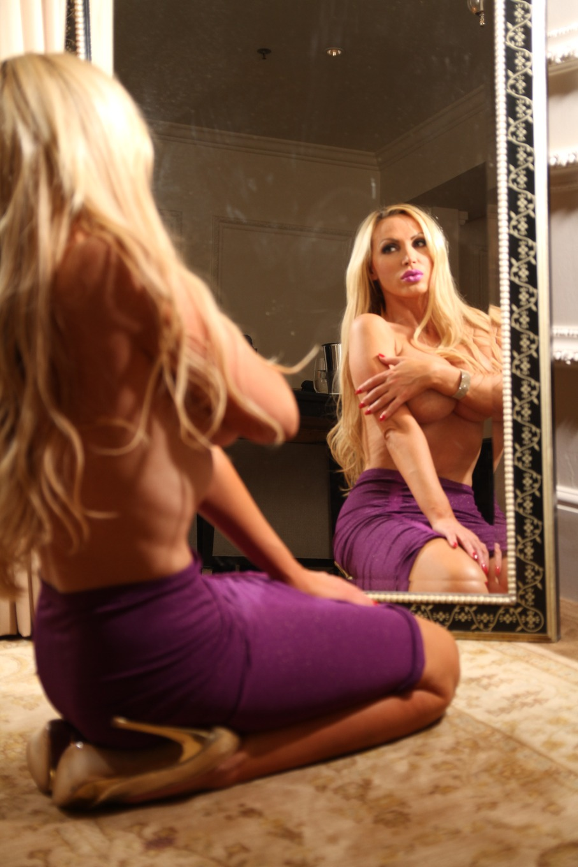 Nikki Benz - profile image - 3